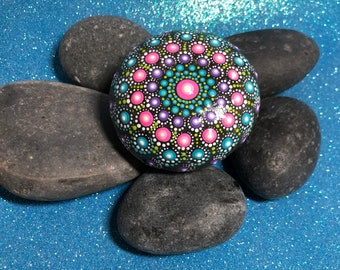 Mandala / Meditation Stone / Dot Mandala / Painted Rocks