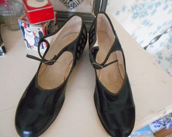 1920's Black Leather Mary Jane Shoes Never Worn