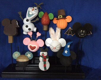 Antennae topper display