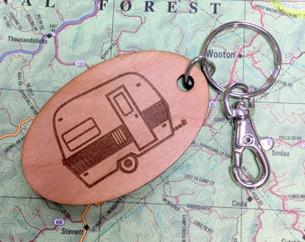 Tiny Camper Key Fob, Retro Trailer Keychain, Vintage Camping Trailer, Glamping Keychain, Glamper Key Ring, Camping Trailer Decor, Canned Ham