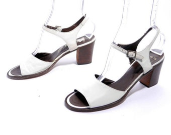 Size 8N// Vintage White Leather Open Toe Sandals // 60s Connie Shoes // White Leather Chunky Heel // Open Toe Summer Sandals// 205