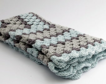 crochet Baby blanket // Granny Square //Gray light blue // Baby Boy