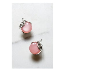 Pink Lucite Earrings / Lucite Earrings / 1950s Jewelry