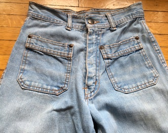 1970's Flared Jeans  by GITANO - with cool front and back pockets - AMAZEBALLS!!