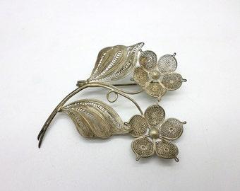 Delicate Vintage Spun Silver Filigree Flower Floral Pin Brooch