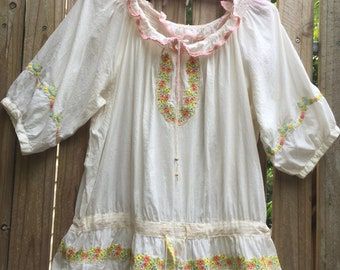 Vintage 70's embroidered blouse
