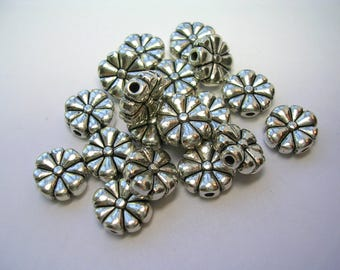 Antiqued Silver Flower Spacers double sided 50 beads 10mm 1mm hole very fancy ornate metal beads 3mm thick