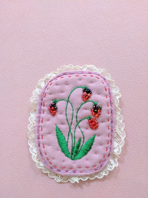 Textile Brooch - Forest berries - hand embroidery unique jewellery. Botanical embroidery art.