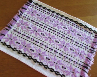 Retro Hand Made Table Runner - Vintage  Placemat - Vintage Woven Doily - Vintage dresser linen - Shabby chic - Lavender and Black