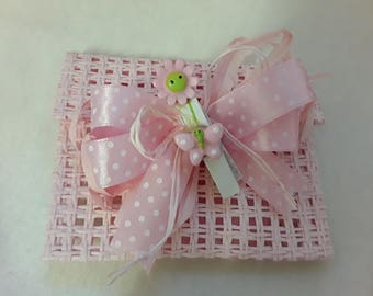 Favor Bag Pink Rigid net + wood peg with flower/Butterfly application