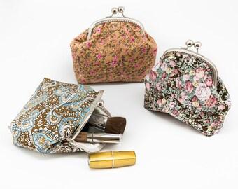 Cosmetic purse - Kiss Lock Purse - Silver Frame - Make up bag - Floral Cotton Purse
