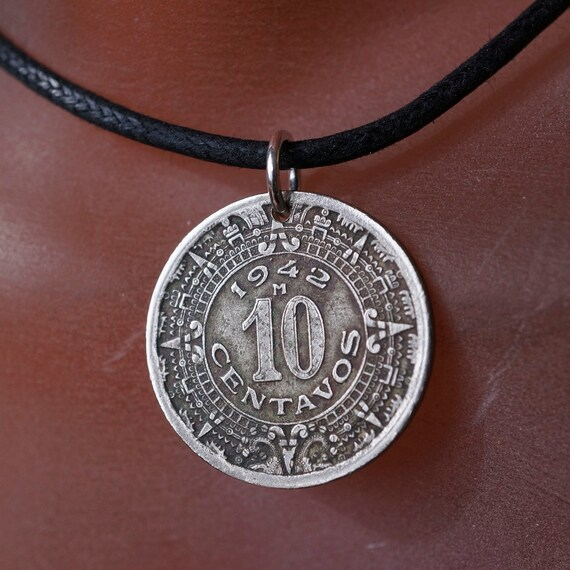 Aztec Calendar Necklace: AZTEC CALENDAR Necklace. Mayan Coin Necklace. MEXICO Charm