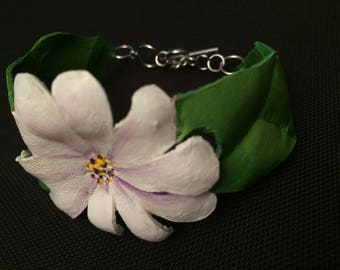 Daisy leather floral bracelet