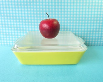 Pyrex Refrigerator Dish - Ribbed Lid - Pristine Condition - Primary Yellow  - 503 - Pyrex Fridgies - 1.5 Qt. Casserole - Vintage 1950's