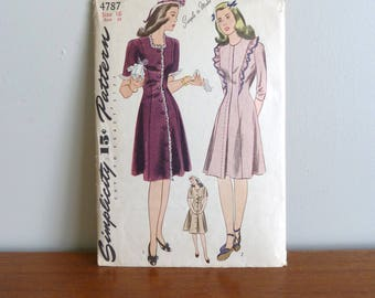 40s Pattern - Junior Misses' Slim Princess Dress - Simplicity 4787 - Size 16 - Vintage 1940s Sewing Pattern - 34-28-37
