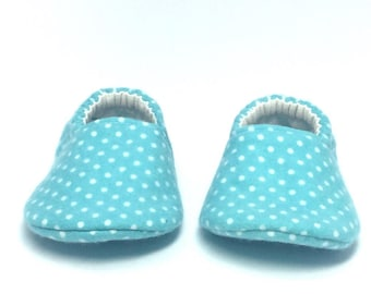 0-3mo RTS Baby Moccs: Cozy Flannel / Dots / Crib Shoes / Baby Shoes / Baby Moccasins / Vegan Moccs / Soft Soled Shoes / Montessori Shoes
