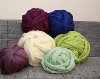 Chunky yarn. Giant knitting. Bulky yarn. Chunky merino wool yarn. DIY Arm knit merino yarn. High quality 23 microns merino wool Thick yarn.