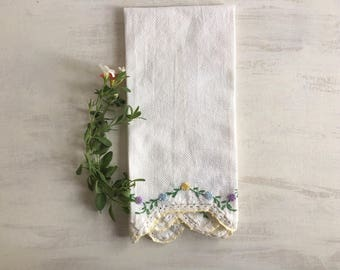 Vintage White Guest Hand Towel With Embroidery