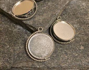 53 pieces - 25mm Inner Size Spinning pendant blanks. Double Sided shiny silver Cabochon Base Setting Blank, two sided