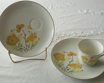 Vintage Teacup and two Snack Plates made in Japan