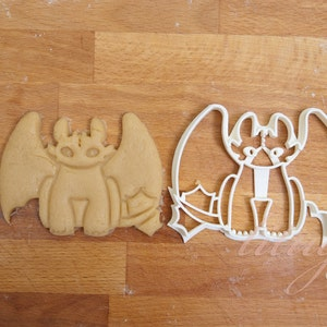 Toothless cookie cutter