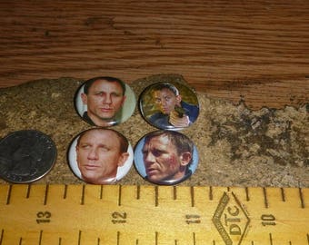 DANIEL CRAIG 4 one inch pin back buttons badge set