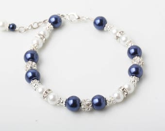 Navy pearl Bridesmaid bracelet, pearl bracelet, Navy wedding jewelry, Bridesmaid Gift, Maid of honor gift, Mother of the bride or groom gift