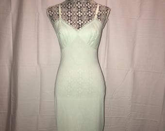 Vintage 1960's Mint Green Full Slip / size 32 / by Shadowline