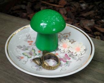 Woodland Mushroom & Butterflies Ring Dish Jewelry Plate - Kelly Green Mushroom Retro China Trinket / Jewelry Storage Vintage Home Decor Gift