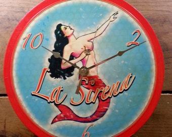 Loteria La Sirena Wall Clock