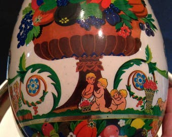 """Vintage """"S. Mantovani for Perugina"""" Large Plastic Egg Candy Container"""