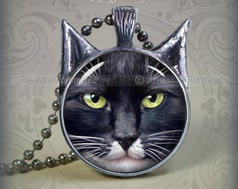 BW5 Black and White Cat pendant