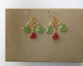Green and Red Chalcedony Gold Filigree Bridesmaids Earrings, Charm Earrings, Chandelier Earrings, Gemstone Earrings