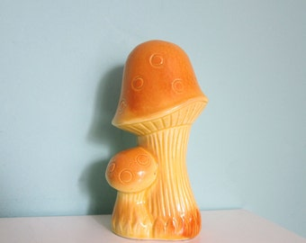 Mushroom Salt or Pepper Shaker, Golden Mushroom, Single Salt Shaker, 1970's Mushroom Salt Shaker,  Salt Shaker, Groovy Mushroom