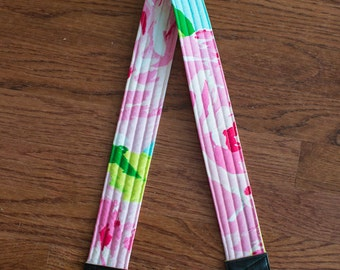 CAMERA STRAP in Lilly Pulitzer First Impressions Pink