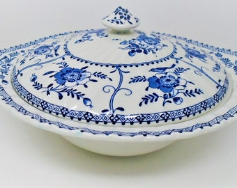 Johnson Brothers Indies Tureen / Lidded Vegetable Dish blue and white