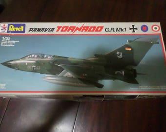 Vintage 1985 Revell Panauia Tornado GR MK1 1/32 Scale Model Kit Complete