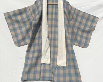 Size 12/14 Gorgeous 1960's pale blue check wool kimono