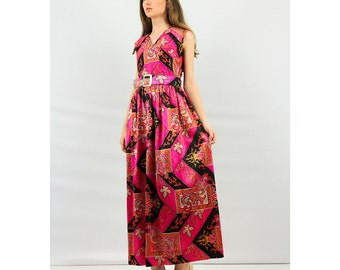 Vintage Psychedelic print / Neon pink long maxi dress / 1960s Baroque wild pattern / Sleeveless with wide pointed collar / M