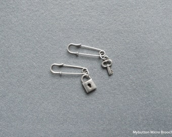Micro charm brooch _ lock and key SET