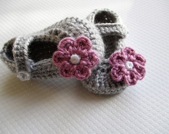 Crochet baby shoes  Baby booties Baby girl shoes Baby sandals Crib Shoes Baby shower gift bootees