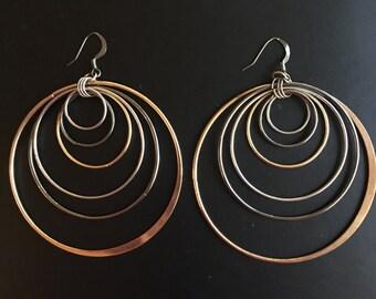 Graduated Tricolored Circle Hoop Dangle Earrings