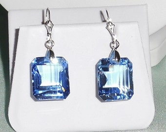 Natural 47 cts Emerald mix Swiss Blue Topaz gemstones, sterling silver leverback Pierced Earrings