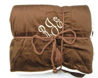 Monogrammed Blanket Throw For Adults, Luxurious Personalized Faux Lambs Wool and Suede Blanket