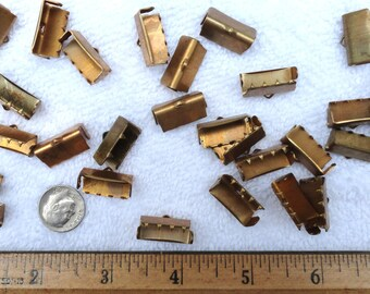 20 Vintage BRASS Crimp Ends, Fabric or Ribbon, 18mm inside, With Teeth and End Tabs