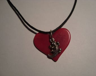 Heart and lizard pendant