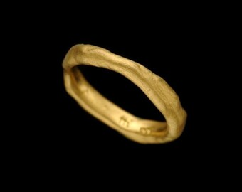 22K Wedding ring,22K Gold Wedding Band, Natural Rough Looking Thin 22k Solid Gold Fusing Ring, Unisex Gold Jewelry, Resizable, Fine Jewelry.