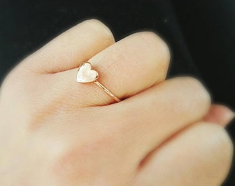 Rose gold tiny heart  ring size us  6 3/4