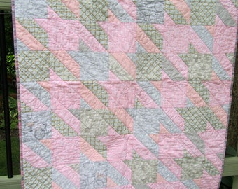 Modern Baby Quilt, Pink and Gray, Houndstooth Check, Baby Girl Quilt, Cot Quilt, Baby Blanket