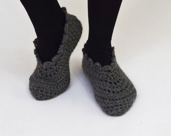 Women Slippers / Crochet Booties / Crochet Socks / Crochet Shoes for Women Size 7/8 - Dark Gray - Handmade - Wool and Apaca -  Ready to Ship